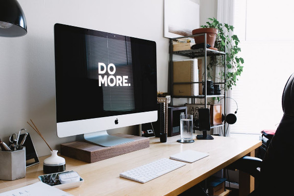 How Decluttering Your Workspace Can Make You A Better Employee