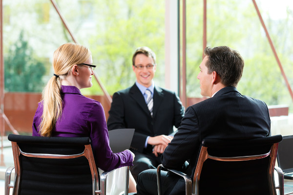 "Body Language at Job Interviews: How to ""Read"" Candidates"