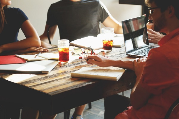 Outsourced HR VS In-house Team: How to Decide?