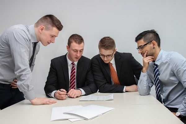 Tips for conducting a proper employee review